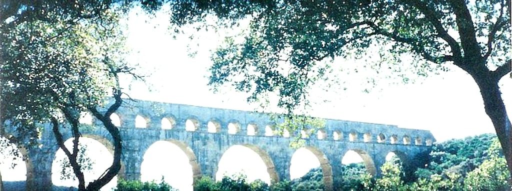 The still impressive Roman aqueduct, Pont du Gard: what to see after buying your Provençal shawl in Avignon.