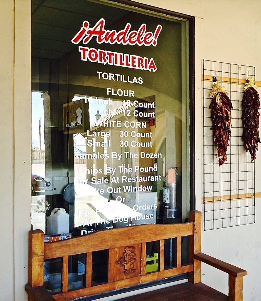 ¡Ándele! Tortilleria exterior, ¡Ándele! Restaurante review.