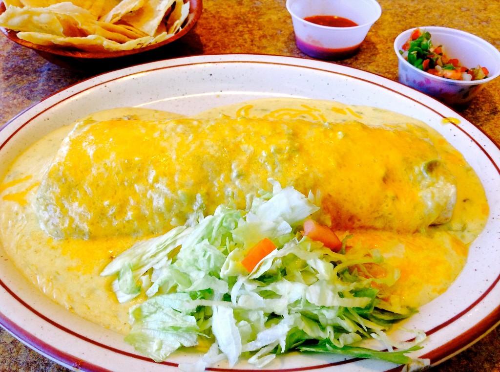 Carne adovada burrito plate, ¡Ándele Restaurante review.