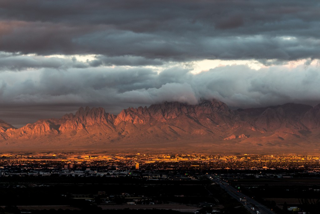 Las Cruces 3465, the city with Organ Mountains backdrop, by Joseph j7uy5.