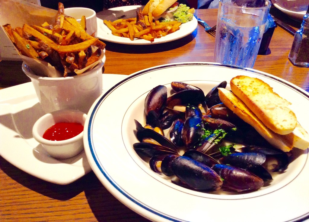 Moules-frites with crostini, Mimi's Cafe in Roseville near Sacramento, one of 5 (+1) Northern California places to visit.