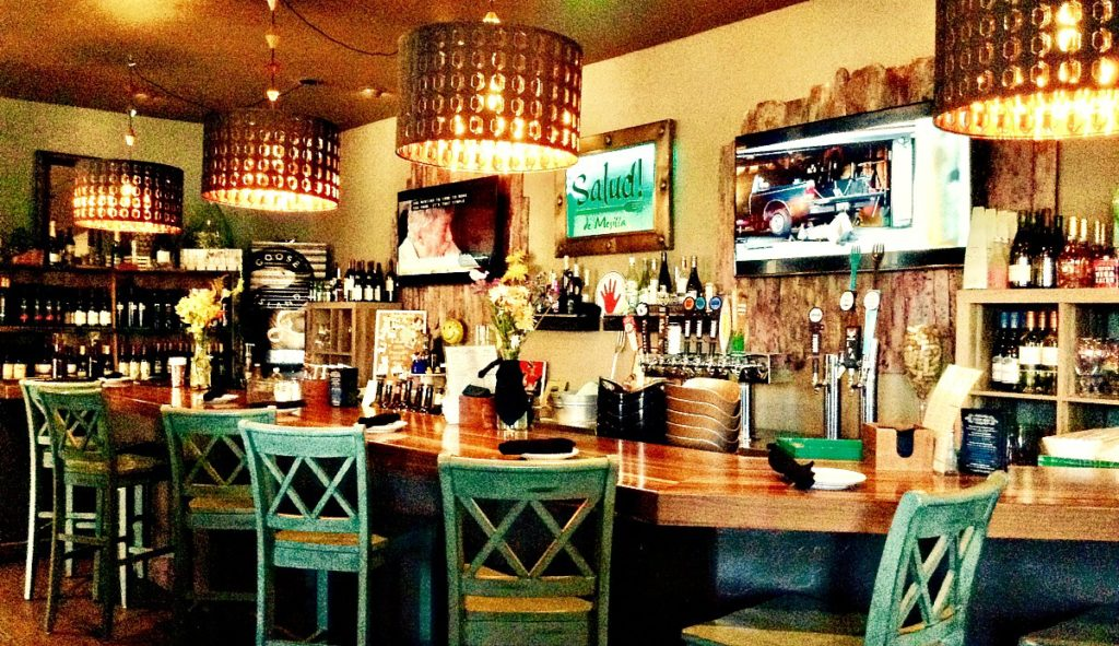 You can choose to have your Salud de Mesilla Paleo Lunch in the restaurant's bar area.