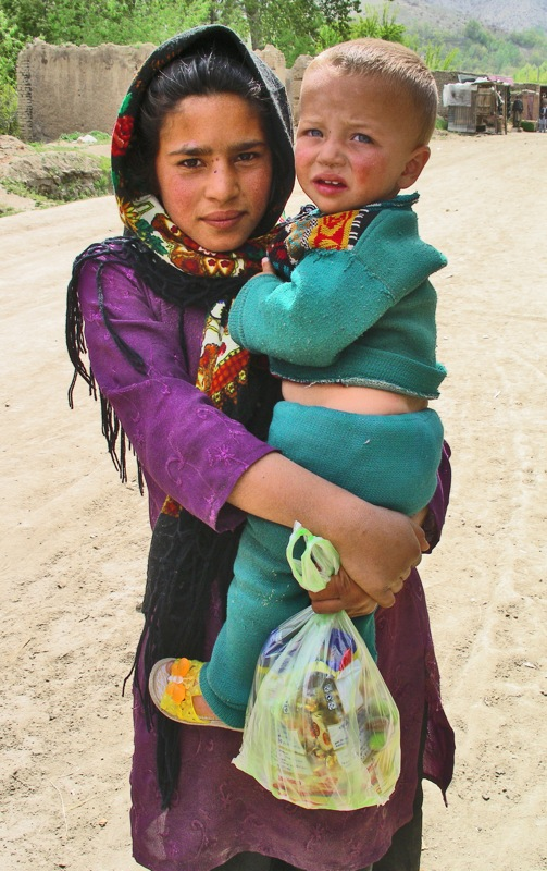 Pray for an end to child marriage in Afghanistan. Image is Afghanistan (Hoodsie) by Sita Magnuson. Attribution-NonCommercial-NoDerivs 2.0 Generic (CC BY-NC-ND-2.0);https://creativecommons.org/licenses/by-nc-nd/2.0/legalcode